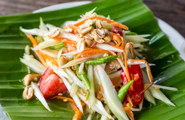 1: Salad Pepaya Hijau (Som Tam) - Thailand