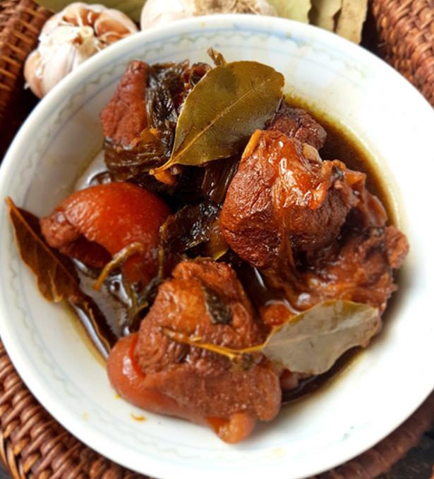 4: Pork / Chicken Adobo - Filipina